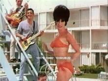 13179_10482_bikini_pool_party.mov