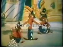 7361_balloon_people.mp4