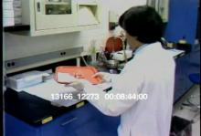 13166_12273_medical_school_lab2.mov