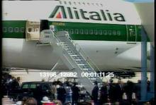 13166_12692_pope_miami_entrance.mov