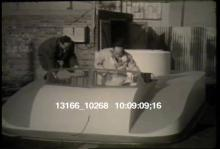 13166_10268_strange_boat.mov