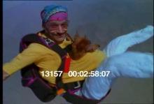 13157_skydiving_dog4.mov